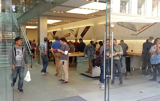 SF Apple Store