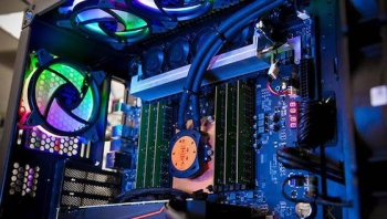 Intel targets pro creators with Xeon W-3175X