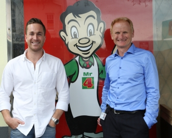 IMAGR Founder William Chomley with Foodstuffs North Island CIO Peter Muggleston at Four Square Ellerslie.