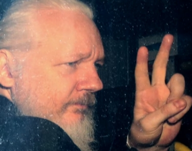 Assange lawyer claims Trump offered his client pardon in 2017